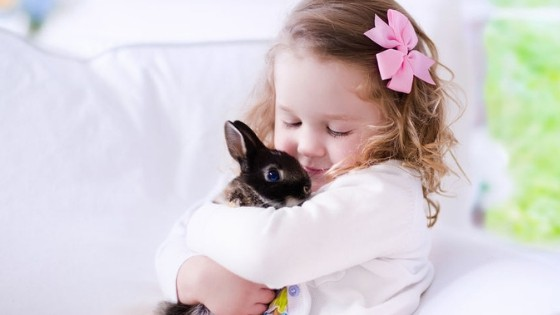 De voordelen van huisdieren op kinderen met autisme
