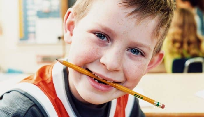 5 hulpmiddelen voor kinderen die overal op kauwen
